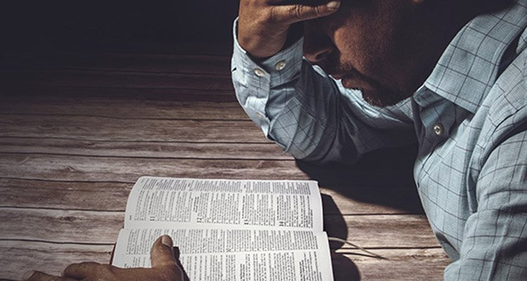 Survey 50% of Pastors Afraid to Speak Out on Social Issues