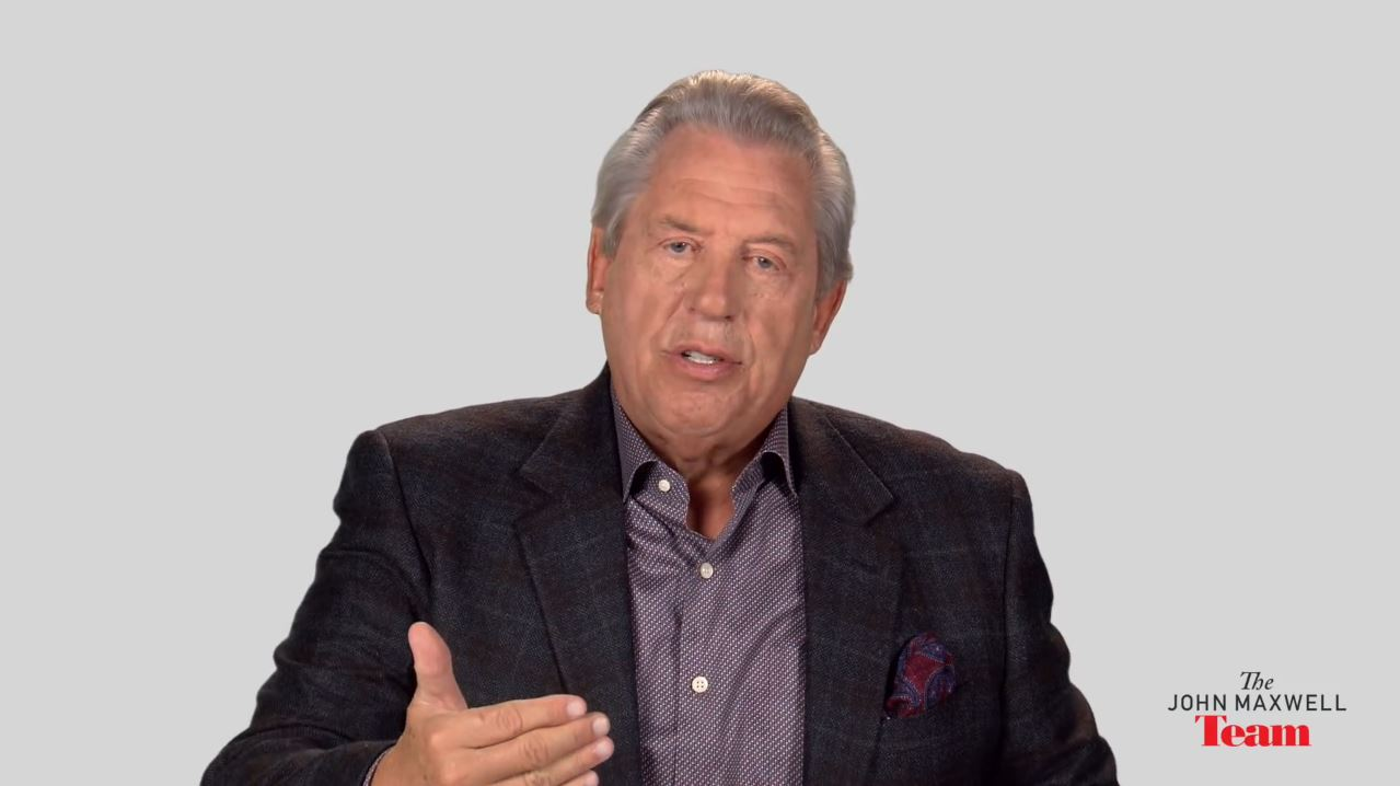 How Does A Young Leader Stand Up To Senior Leaders A Minute With John Maxwell, Free Coaching Video