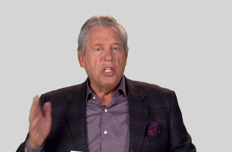 How Does A Leader Motivate A Team A Minute With John Maxwell, Free Coaching Video